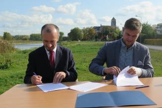 Podpisanie umowy na ścieżki rowerowe